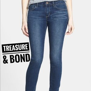 TREASURE & BOND • High Rise Skinny Jeans Sz 28